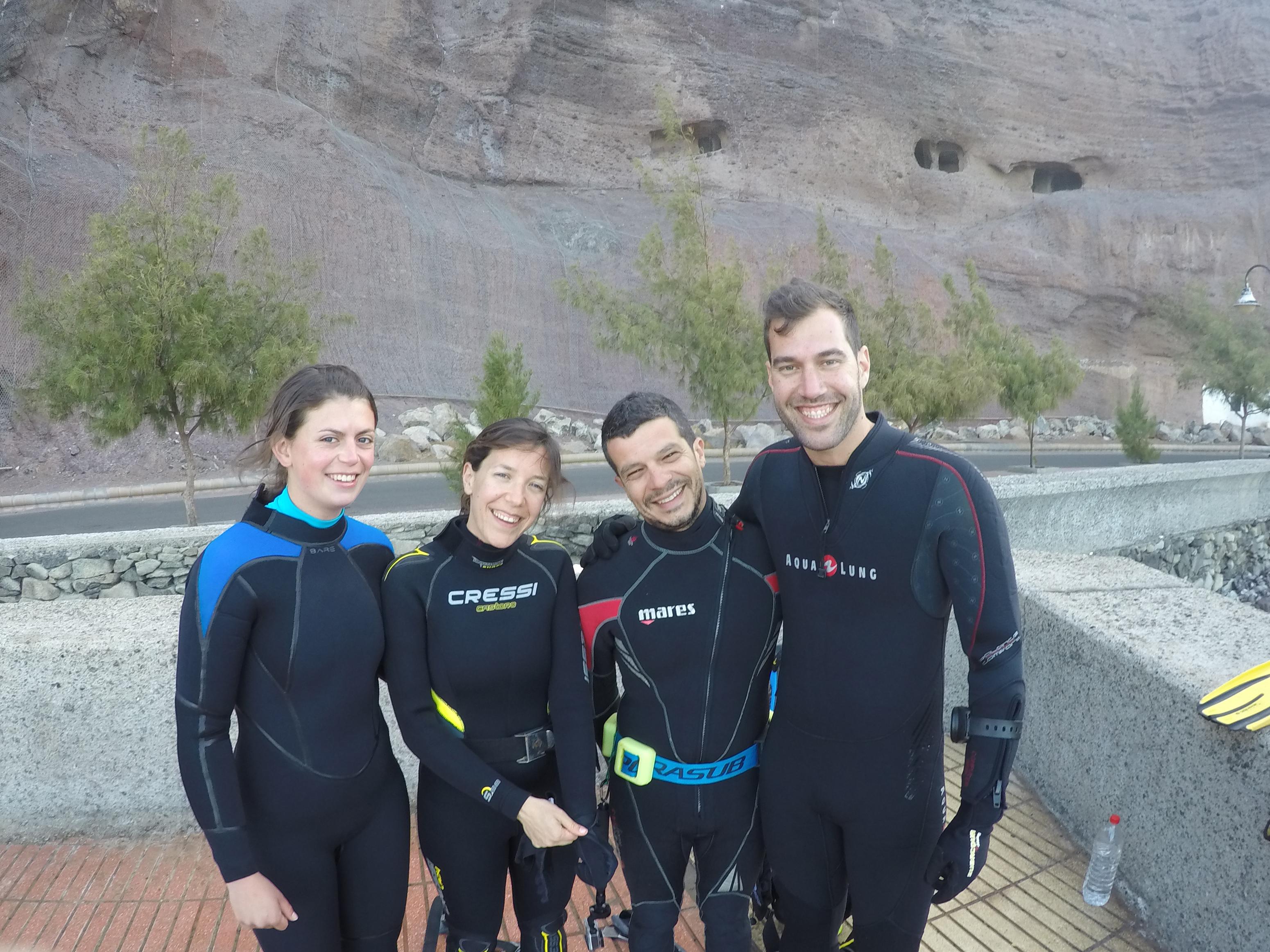 MEYERS eva - angel shark host