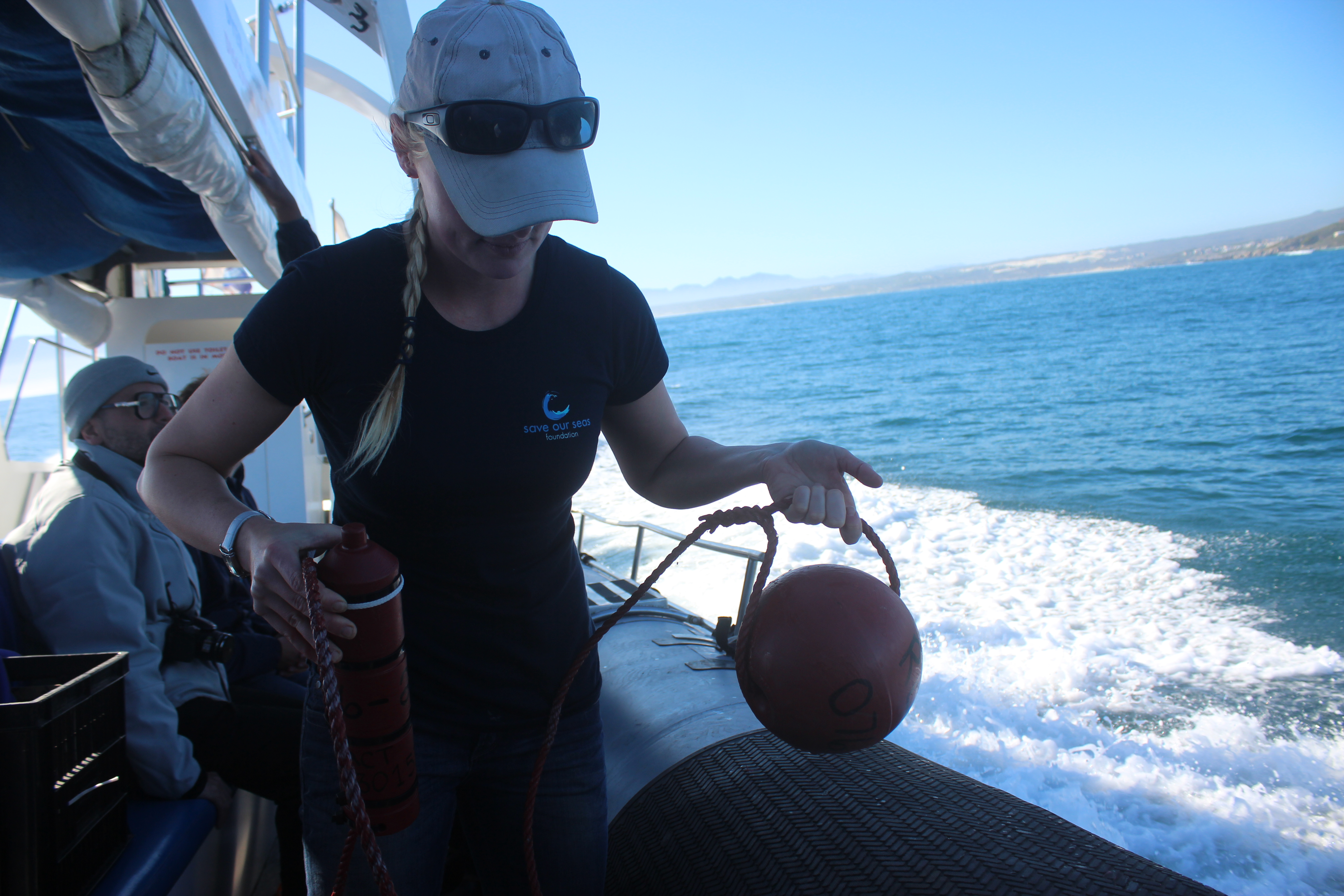 Alison Towner preparing to deploy VR2W at Dyer Island.