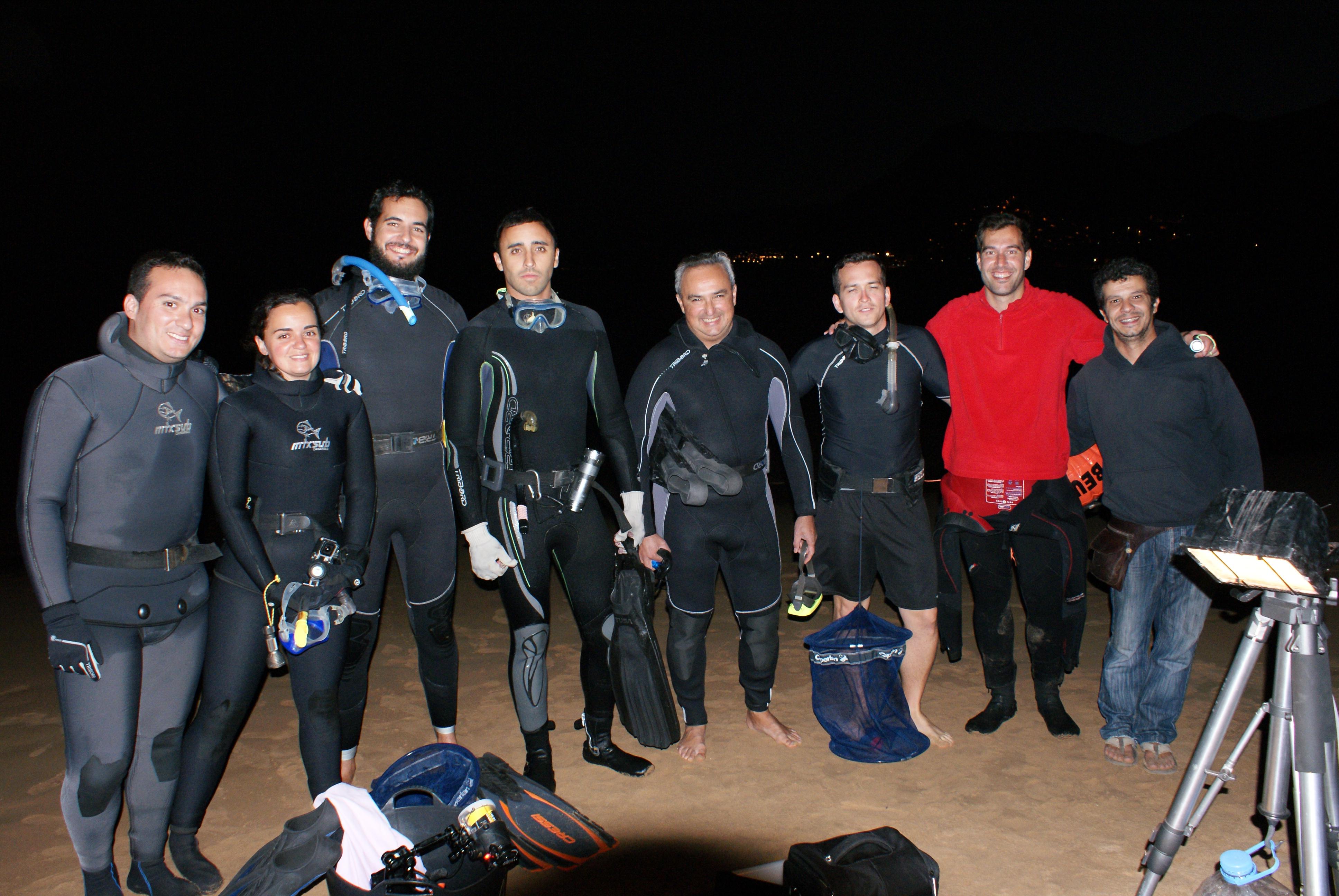 Volunteer tagging team in Las Teresitas getting ready to find angel sharks.