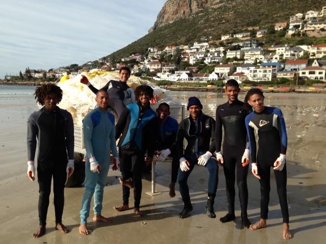 The project has received tremendous support from various organisation and individuals in addition to those already mentioned. A warm thank you to the Fish Hoek Life Saving Club and the public for their overall support so far. The NSRI Strandfontein trained our boat crew in surf launching and boat skills. Reef Wetsuits generously sponsored all the boat crews gear, and a Learn to Dive Today, Shark Explorers, Isaac February and Brad Smith donated old wetsuits and booties to keep the net crew warm in the cold winter water! Many thanks are due to the KZN Sharks Board who shared their expertise. Credit Shark Spotters